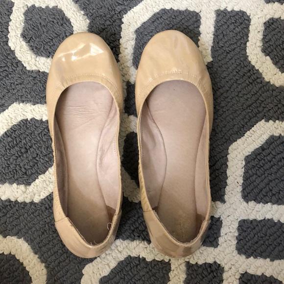 66b3d3dbdb Vince Camuto patent leather nude ballet flats. M_5b032089daa8f60ab7347b76